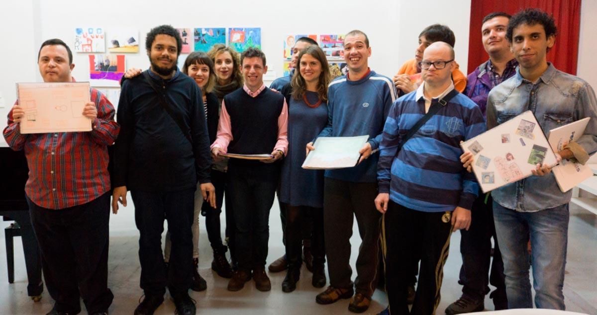 los participantes y autores, en la inauguración
