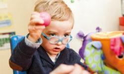 Imagen niño en tratamiento atención temprana