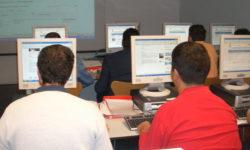 alumnos en clase de formación para el empleo