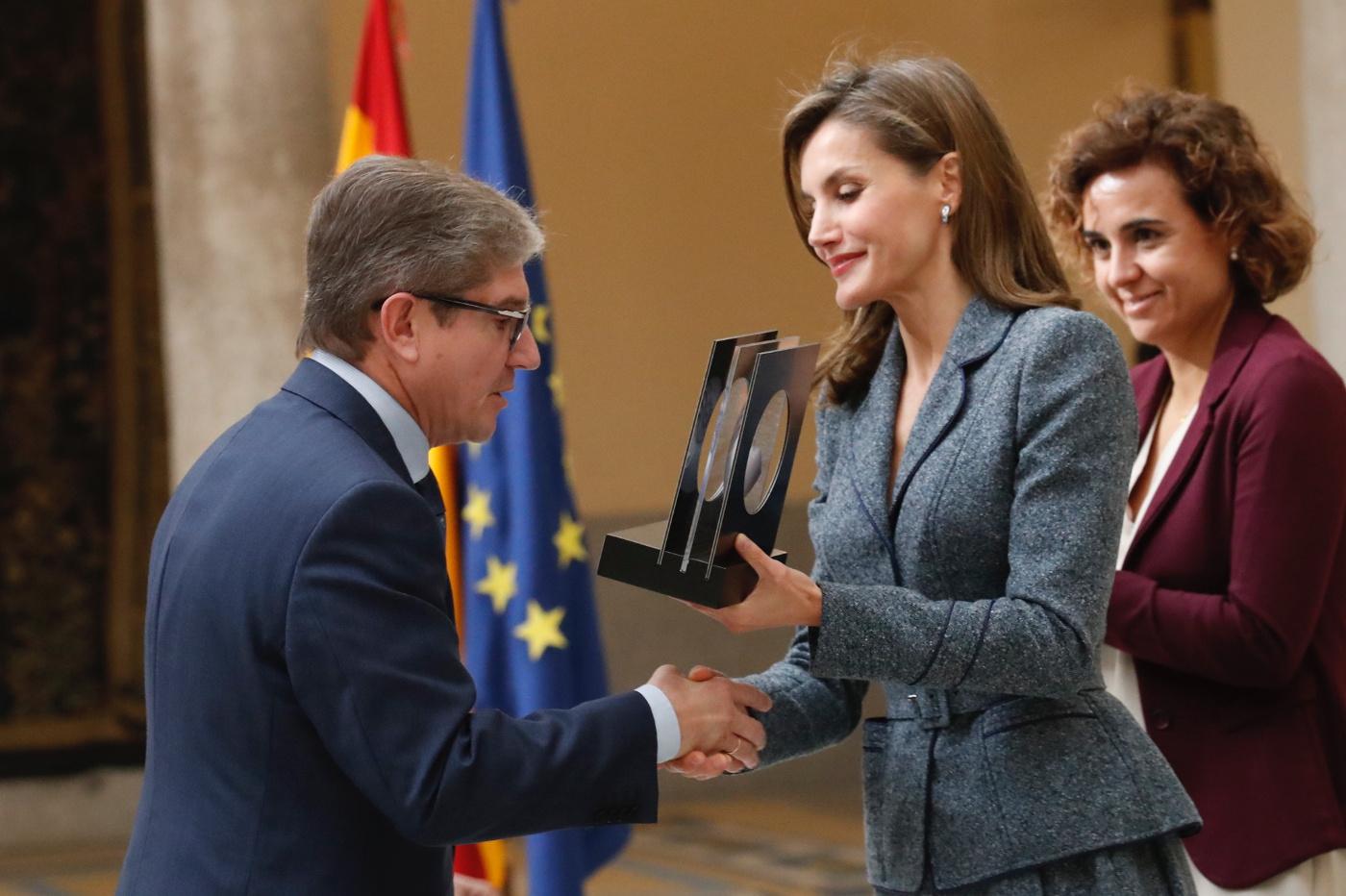 Mariano Casado recibe el galardón de manos de S.M. La Reina Letizia