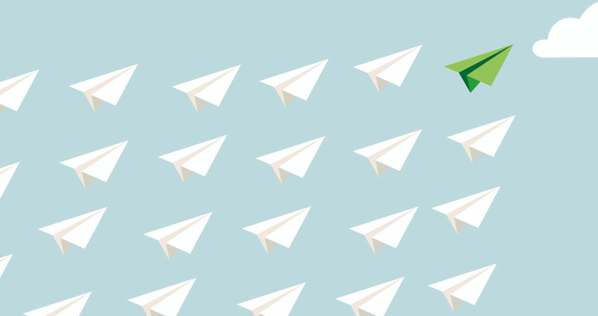 Aviones de papel surcando el aire