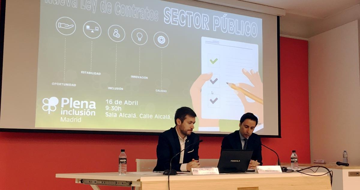 Miguel Angel García y Javier Luengo durante la jornada Nueva Ley Contratos Sector Público