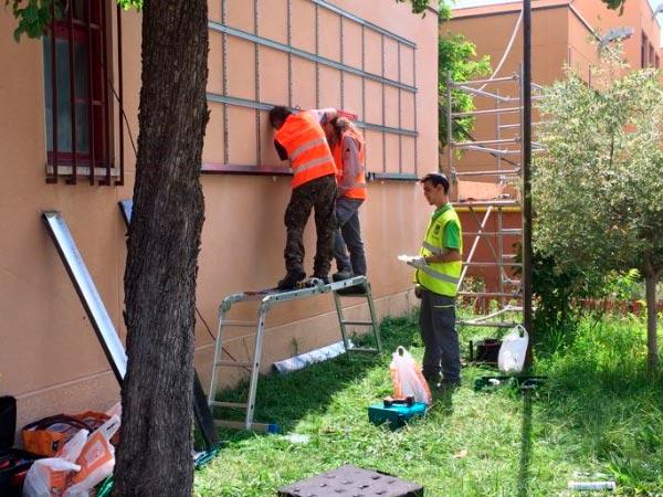 construcción del jardín vertical