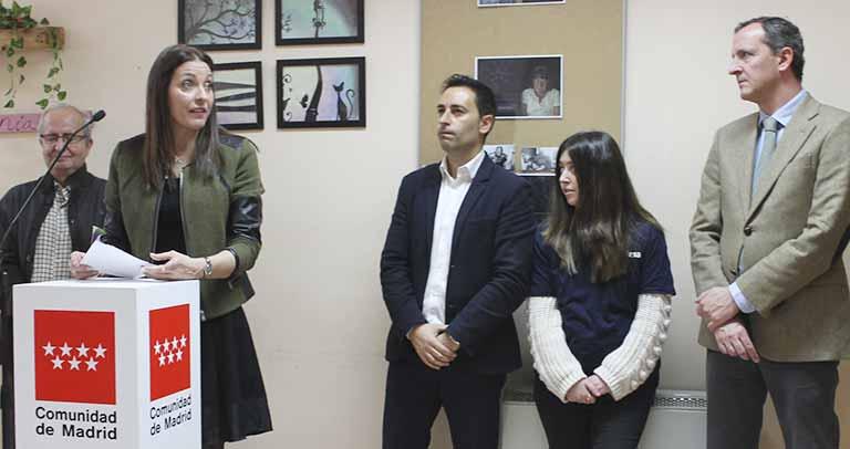 Lola Moreno, durante su visita a la Fundación Carlos Martín