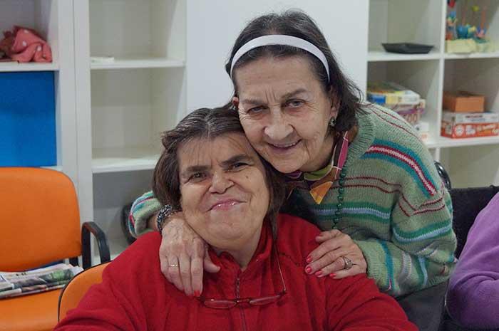 Paulina y Aurora, usuarias de la Fundación