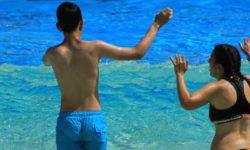 Foto de recurso disfrutando en la piscina
