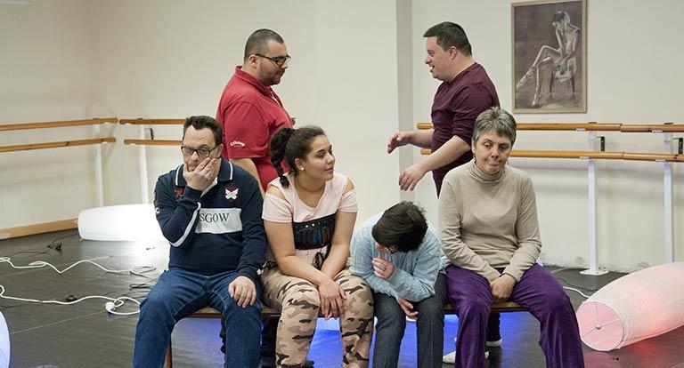 Los participantes en el proyecto de teatro de Espacio Convergente