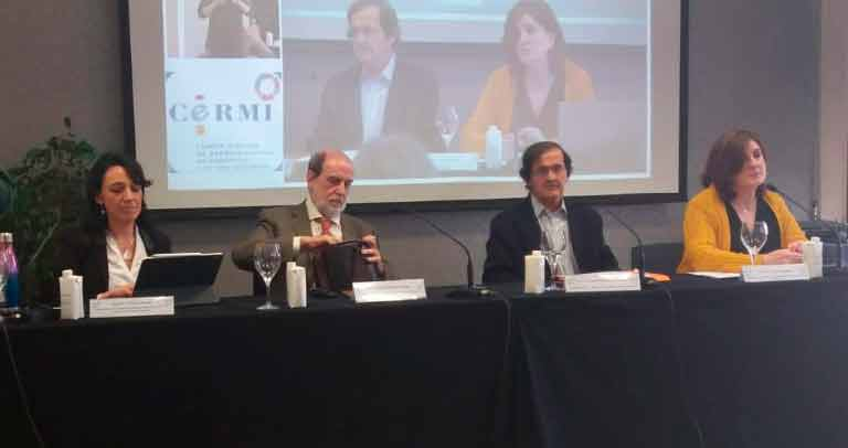 mesa de intervenciones en jornada sobre retos de futuro del CERMI