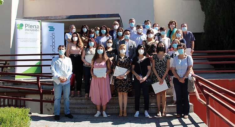 Foto de grupo de la campaña Alimentos por la inclusión