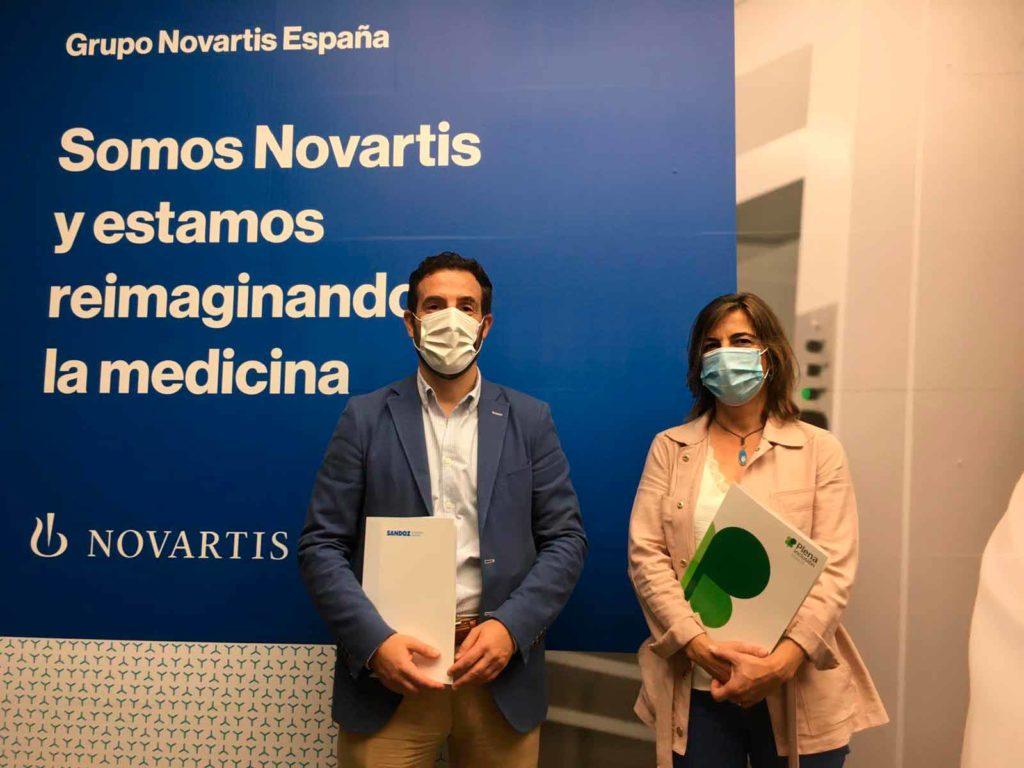 Silvia Sánchez y Joaquín Rodrigo tras la firma del convenio