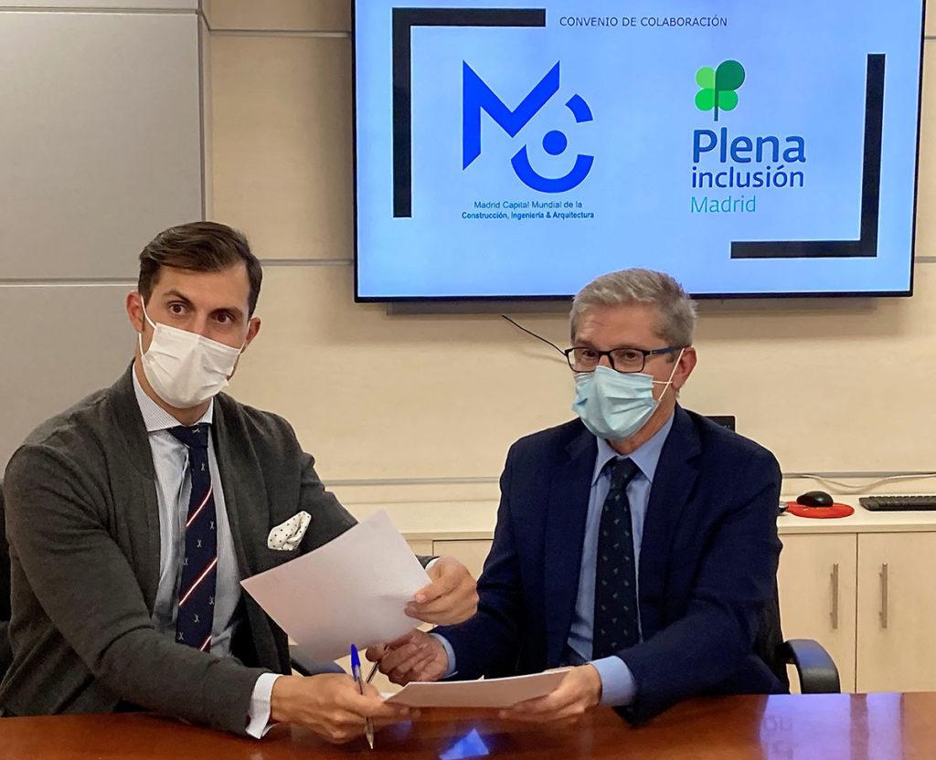 Los presidentes de MWCC y Plena Incusión Madrid tras la firma del convenio